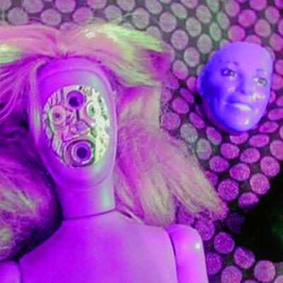 barbie espia